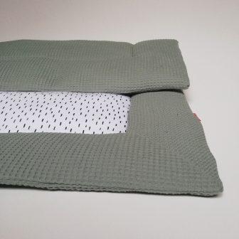 Boxkleed groen kleine druppels - wit