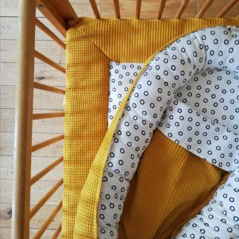 Boxkleed en babynestje oker - cirkels